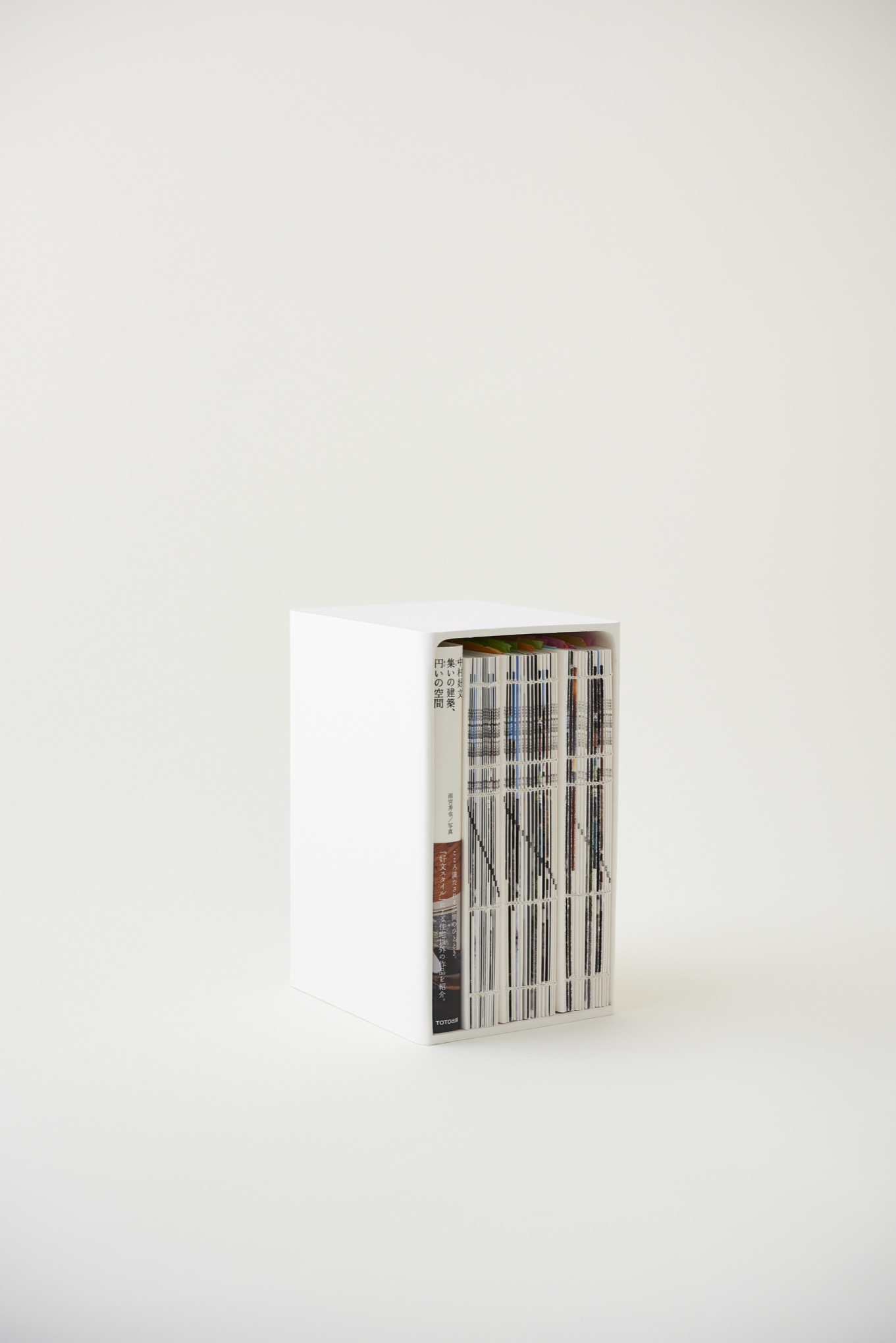 8Books & 8Boxes 『集いの建築、円いの空間』