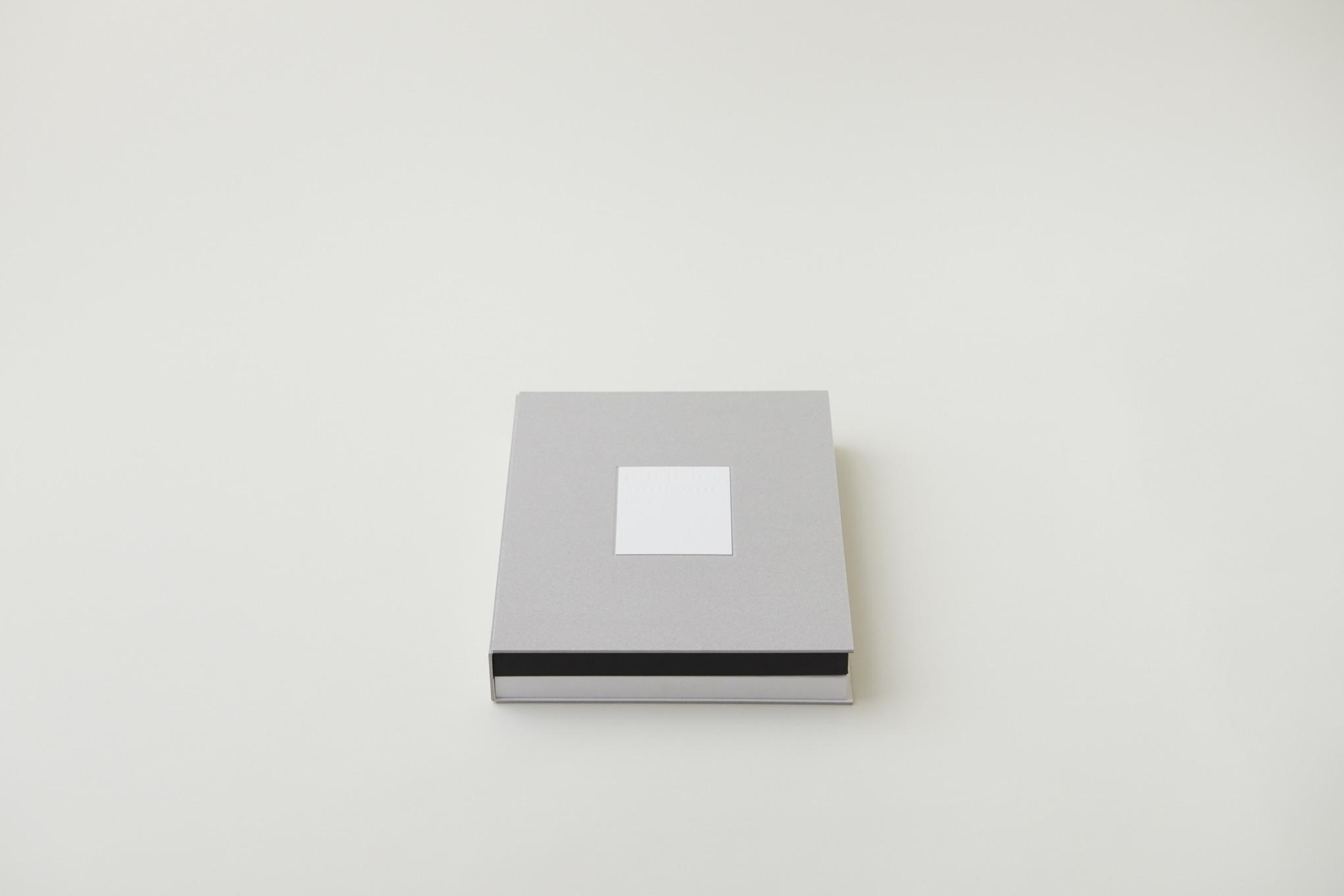 8Books & 8Boxes 『push me pull you』